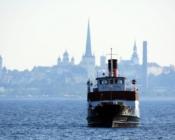 ©Sunlines. Cruiser Katharina on Tallinn Bay