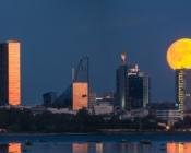 ©Sunlines. Enjoy the beautiful Tallinn skyline at night